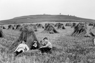 31. The Fuller children with Blewburton Hill in the background